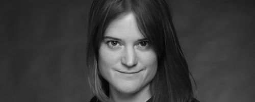 Sara Shepard is an American author of young adult thriller novels. She has also written two novels for adults. Her series Pretty Little Liars and The Lying ... - Sara-Shepard