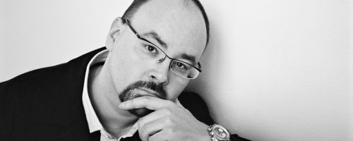 Carlos Ruiz Zafon (Photo Credit: Isolde Ohlbaum)