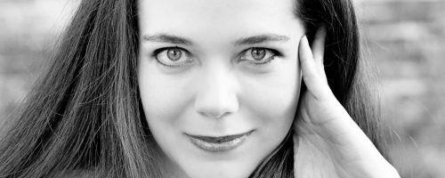Jennifer Lynn Barnes (Credit: Kim Haynes Photography)